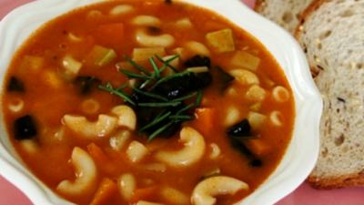 Sebzeli Makarna Çorbası